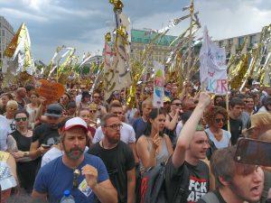 Aufruf zur glänzenden Demonstration gegen die Großdemonstration der AFD